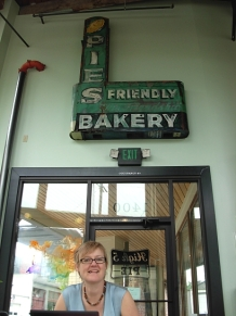 Yvonne Blomer at High Five Pies. (Photo © Kim Goldberg)